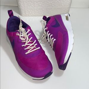 Air max thea women's size 6.5y